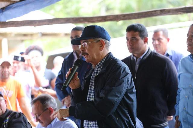 Presidente Danilo Medina promete apoyo a productores de especias de Pedro Brand